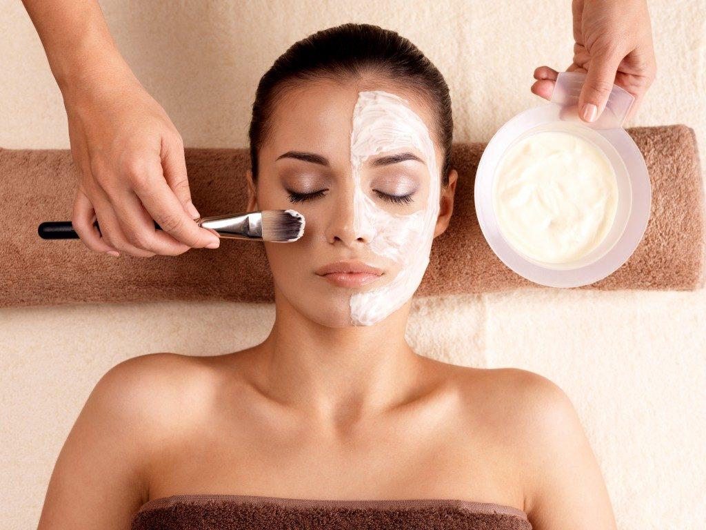 facial mask treatment at a salon