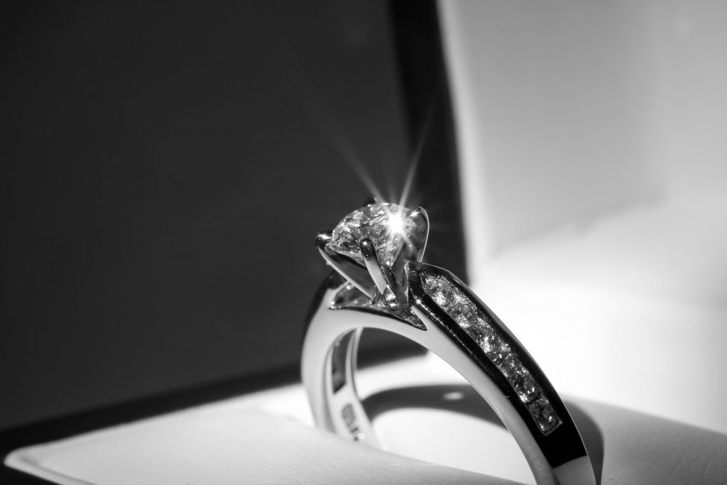 close up picture of diamond ring