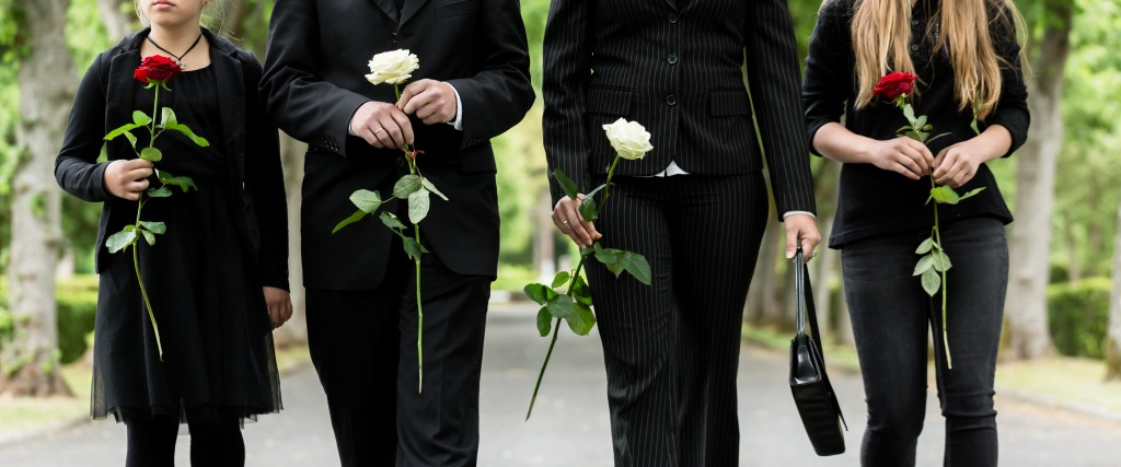 What to Wear to a Funeral: Honoring the Dress Codes