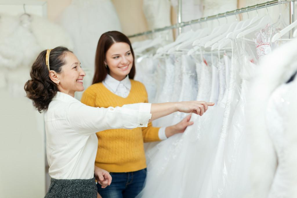picking a wedding dress