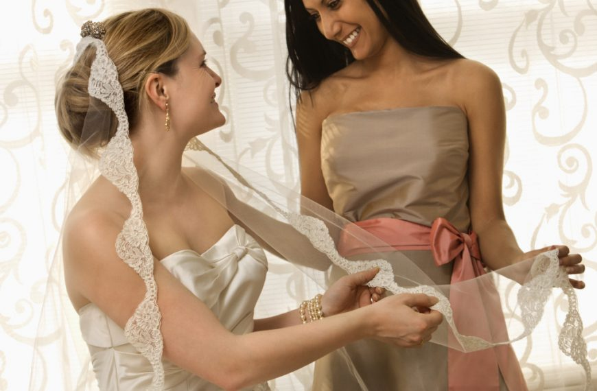 Maid of Honor Proposal: Should You Say Yes to Your Best Friend?